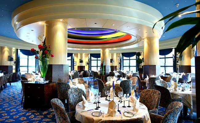 Dining at Disneys Hotel New York