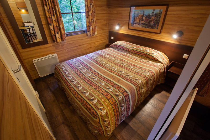 Bedroom 1, Disneys Davy Crockett Ranch