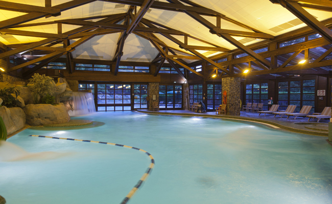 Facilities sequoia lodge disneyland paris hotels for Piscine disneyland hotel