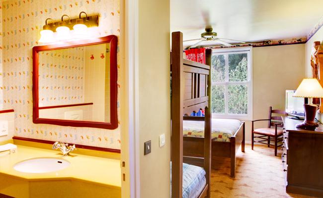 Disney Hotel Cheyenne Rio Grande Room