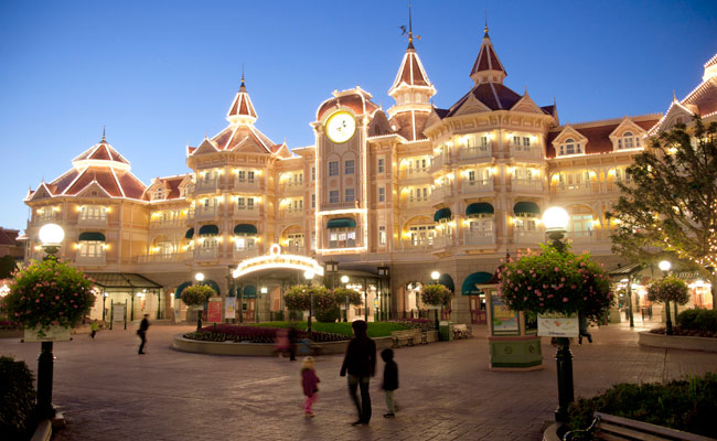 Location disneyland hotel disneyland paris hotels for Paris hotel address