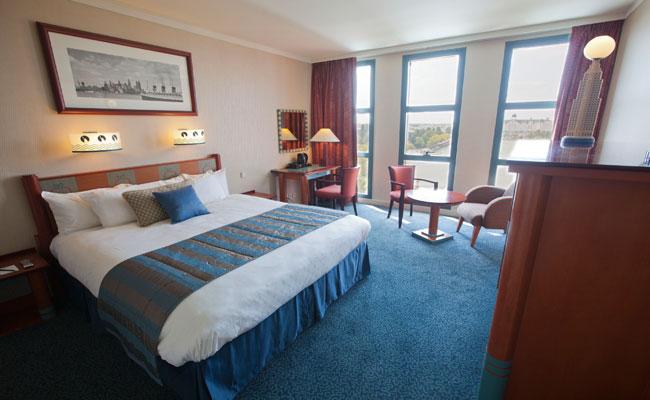 rooms hotel new york disneyland paris hotels. Black Bedroom Furniture Sets. Home Design Ideas